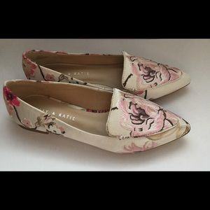NWOT Perfect floral pointed toe flats